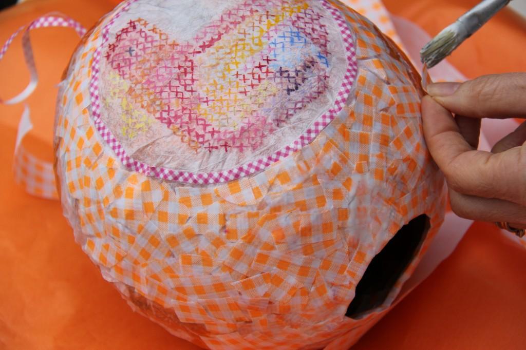DIY Piñapaques - Piñata de Pâques - Etape 3