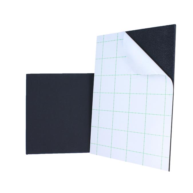 Carton mousse noir 5 mm avec 1 face adhésive